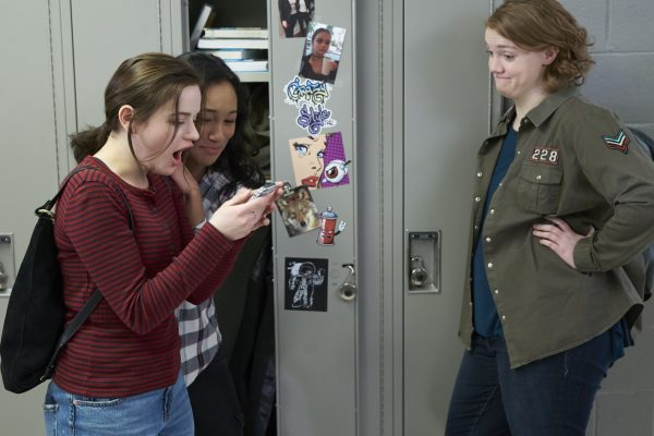 WU_07270(l-r) Joey King stars as Clare Shannon, Sydney Park as Meredith McNeil and Shannon Purser as June Acosta in WISH UPON, a Broad Green Pictures release.Credit: Steve Wilkie / Broad Green Pictures