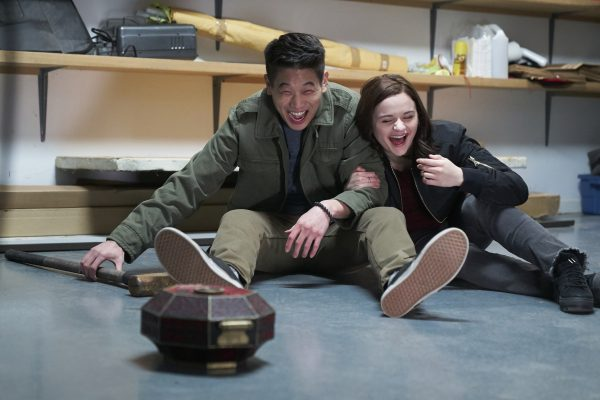WU_09472_CROPKi Hong Lee and Joey King on the set of WISH UPON, a Broad Green Pictures release.Credit: Steve Wilkie / Broad Green Pictures